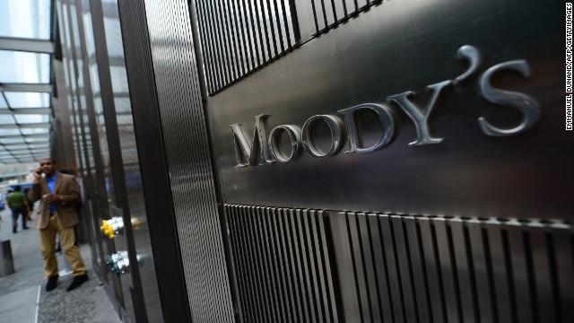 Moody's rebaja la nota de Venezuela por riesgo de suspensión de pagos