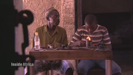 spc inside africa mozambique art b_00003607.jpg