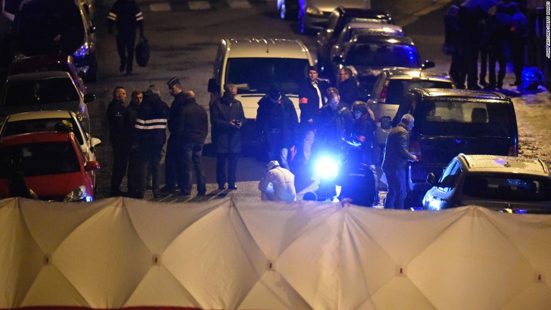 A barricade is set up in Verviers. During the raid, a third suspect was injured and taken into custody.
