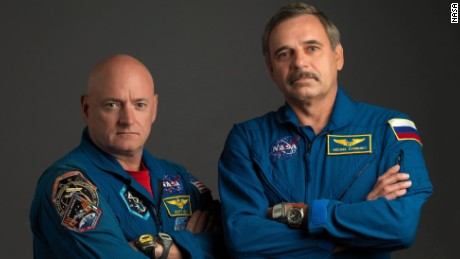 150115191210 scott kelly and mikhail kornienko large 169