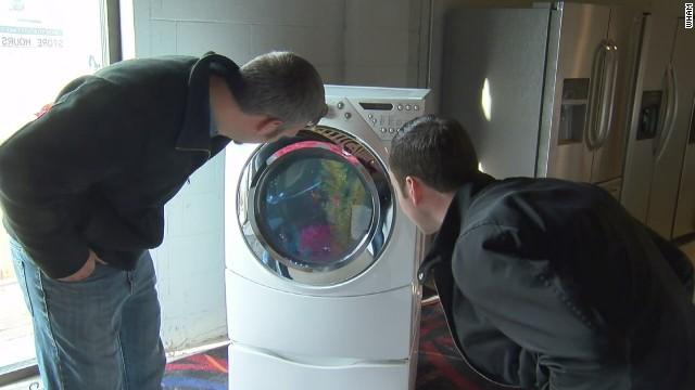 Fish tank washing machine makes big splash
