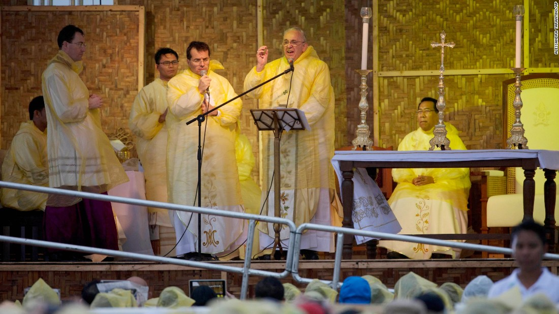 Pope Francis celebrates Mass in Tacloban on January 17. <br />