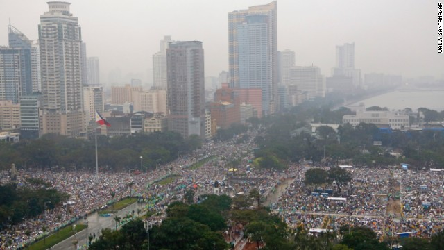Misa de Francisco en Filipinas rompe récord papal