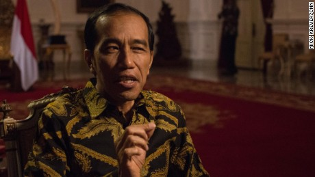 Christiane Amanpour interviews Indonesian President Joko Widodo.