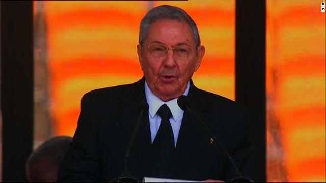"""Raúl Castro dice que proceso de paz en Colombia """"va bien"""""""