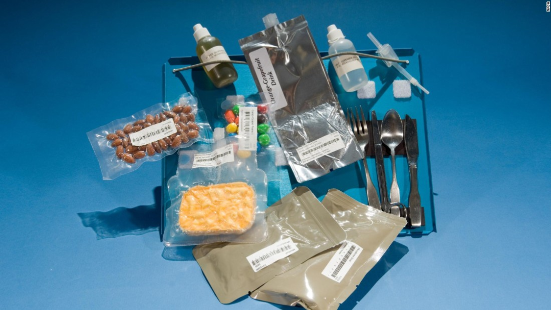 what do astronauts eat in space nasa - photo #3