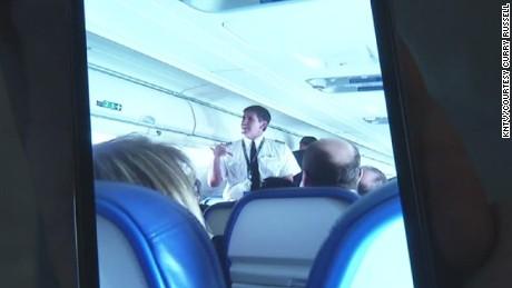 pkg pilot locked out of cockpit_00001815.jpg