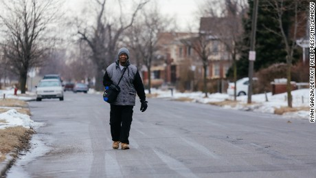 Detroit man walks 21 miles for commute