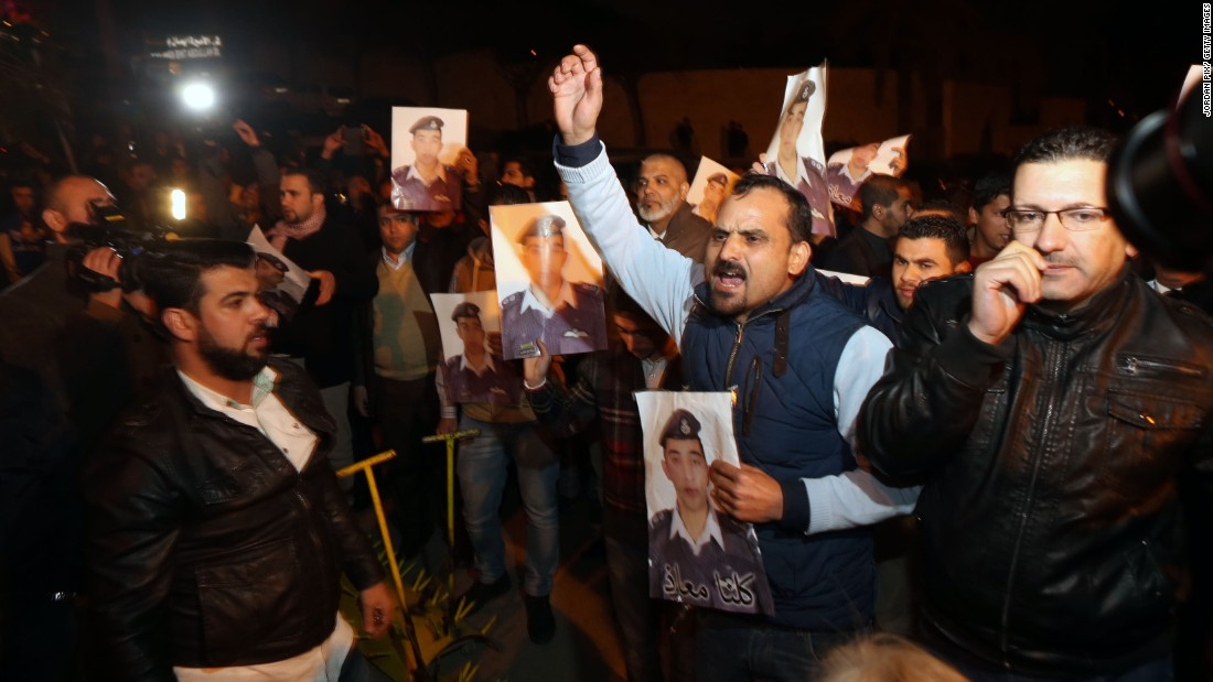 Angry relatives of al-Kasasbeh protest at the entrance to Jordan's royal palace in Amman on Wednesday, January 28.
