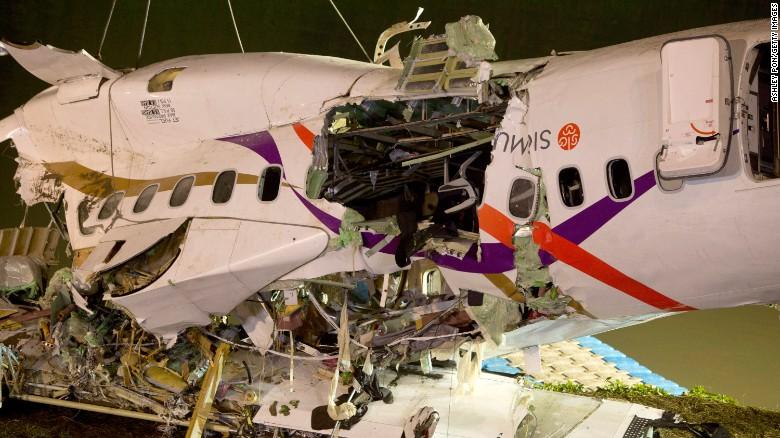 TransAsia crew shut off working engine