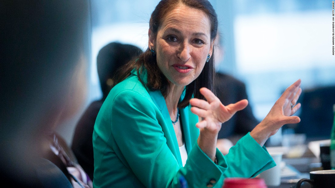 "Margaret Hamburg, commissioner of the Food and Drug Administration, announced February 5 <a href=""http://www.cnn.com/2015/02/05/politics/fda-commissioner-resigns/index.html"">in an email to staff that she was stepping down</a> after six years as commissioner."