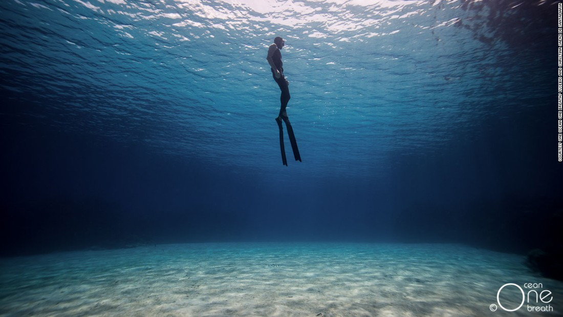 Simply breathtaking: Freediving couple's stunning ...