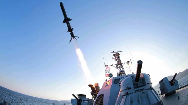 """Corea del Norte presume sus misiles """"de última generación"""""""