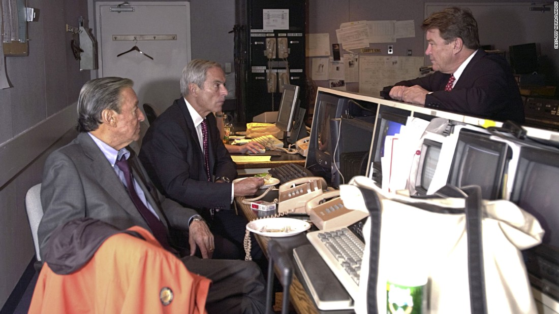 """60 Minutes"" correspondents Mike Wallace, left, Simon and Steve Kroft during a behind-the-scenes photo shoot for Vanity Fair in 2003."