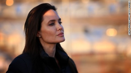 Angelina Jolie did right thing to remove ovaries - CNN.com