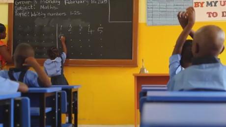 pkg elbagir liberia schools reopen ebola threat_00014627.jpg