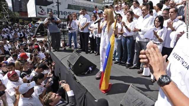 Poca afluencia en concentración por aniversario de encarcelamiento de Leopoldo López