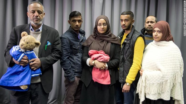 Las autoridades intentan encontrar a tres chicas británicas antes que se unan a ISIS