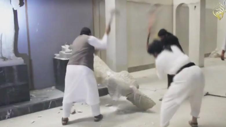 ISIS destruye reliquias de 3.000 años de antigüedad en museo de Iraq