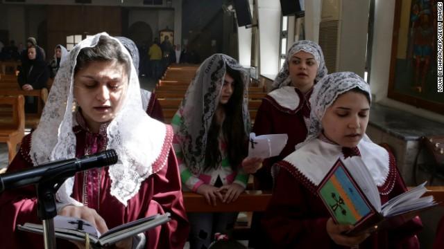 ¿Por qué ISIS liberó a algunos de los cristianos asirios?