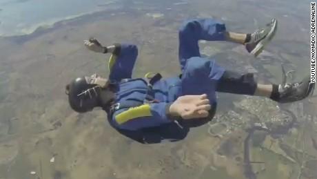newday skydiver midair seizure_00000627