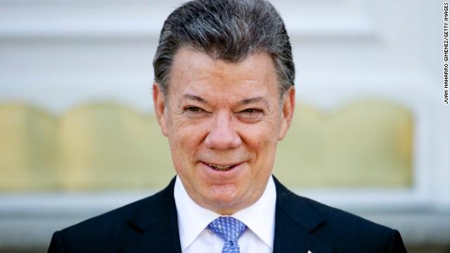 Santos anuncia que 6 jefes militares se unirán al diálogo con las FARC en La Habana