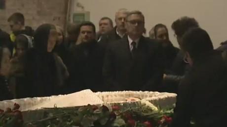 Mourners gather for Nemtsov memorial