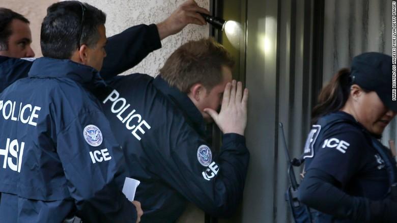 El ICE arresta a más de 2.000 inmigrantes fugitivos