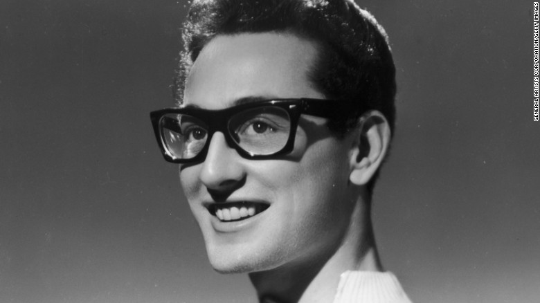 circa 1955:  American rock 'n' roll singer Buddy Holly (1936 - 1959).  (Photo by General Artists Corporation/Getty Images)