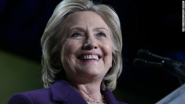 Hillary Clinton, en la cuerda floja del género