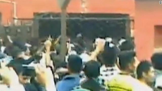 Indian mob raids jail, kills rape suspect