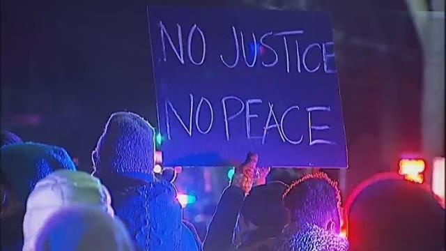 Protestas en Wisconsin después de que la policía matara a un adolescente afroamericano