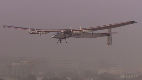 pkg daftari uae solar impulse takes off_00010705