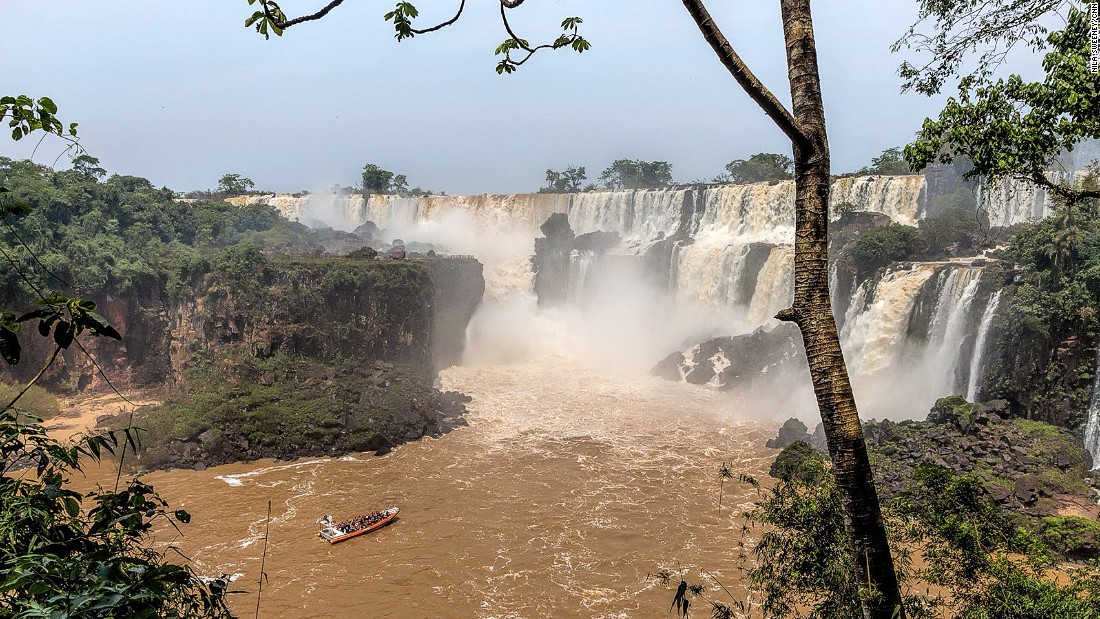The Upper Circuit and Lower Circuit paths offer up-close views of falls. You can take a boat onto the river below the Devil's Throat to get really close to the action.