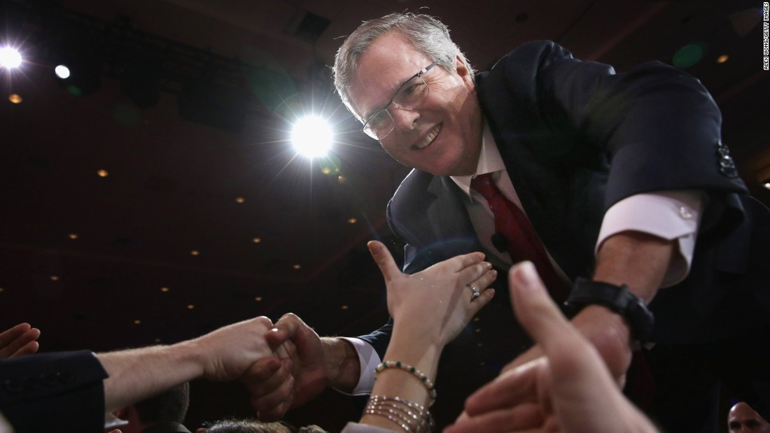 Former Florida governor Jeb Bush shakes hands with attendees after speaking at the 42nd annual Conservative Political Action Conference  February 27, 2015 in National Harbor, Maryland.