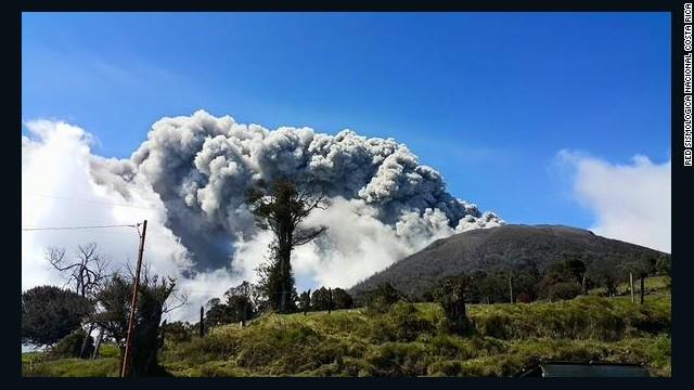 Alerta en Costa Rica por actividad del volcán Turrialba