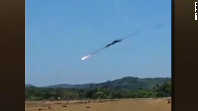 Aviones militares se estrellan en Malasia durante una práctica para un espectáculo