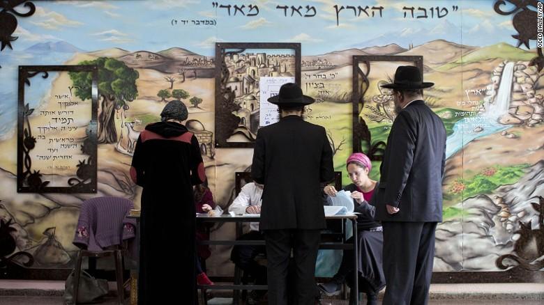 Israel vota entre la continuidad de Netanyahu y el cambio