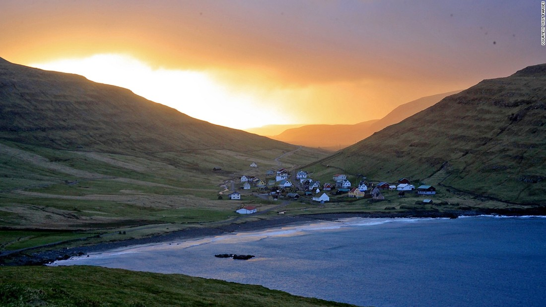 "This cozy village on <a href=""http://www.visitsandoy.fo/UK/"" target=""_blank"">Sandoy island</a>'s east coast is home to the remains of a 14th-century farmhouse in traditional Faroese style."