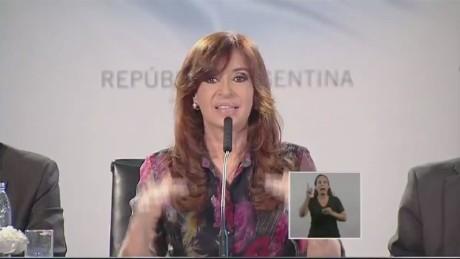 cnnee pkg argentina economy ivan perez sarmenti_00002927