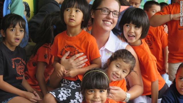 Una organización ayuda a niños en edad escolar a 'ver' su futuro