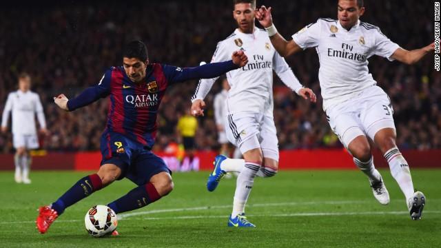 Gol del uruguayo Luis Suárez da la victoria al Barça (2-1) frente al Madrid