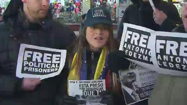 Retienen y luego liberan a la hija del alcalde de Caracas en aeropuerto de Maiquetía