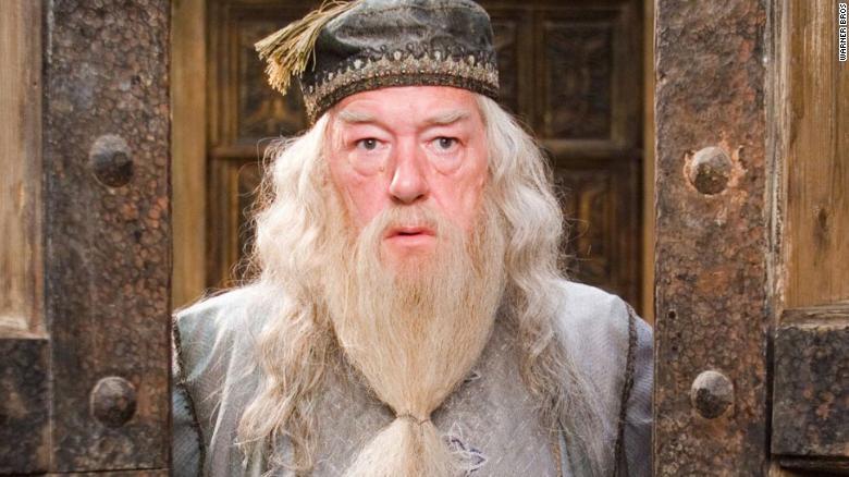 Revuelo en las redes por respuesta de J.K. Rowling a las críticas de que Dumbledore es gay