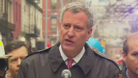 bts presser new york mayor on fire in east village_00005714.jpg