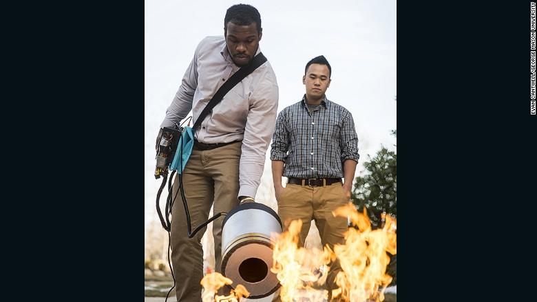 Inventan un extintor que apaga el fuego con sonido