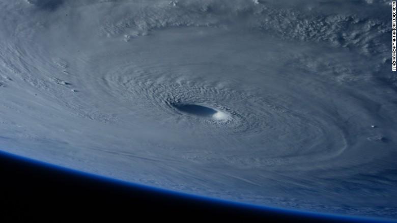 TYPHOON MAYSAK barrels toward the Philippines - CNN.
