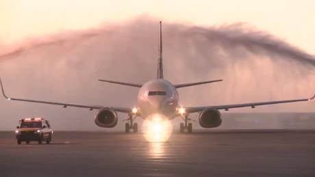 cnnee pkg klein uruguay newest airline_00025005