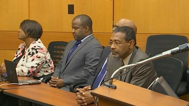Juez envía a prisión a maestros de Atlanta que falsificaron calificaciones