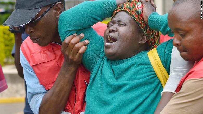 Ataque en Garissa: los cadáveres siguen en el terreno, boca abajo